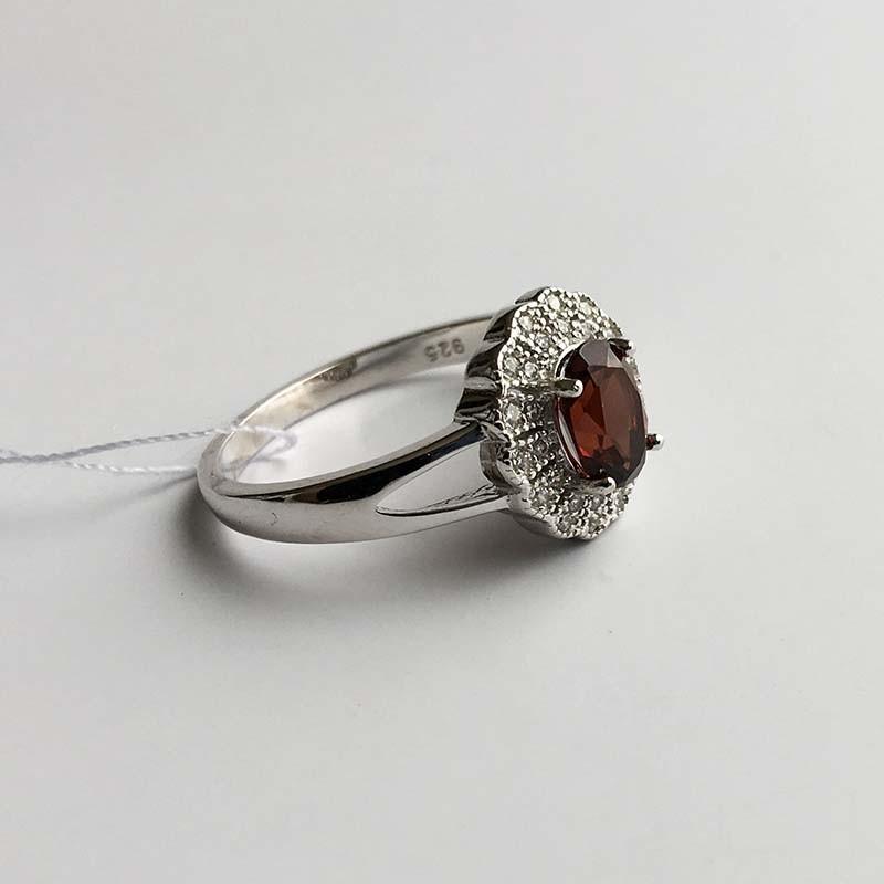 Серебряное кольцо с Гранатом (410506)
