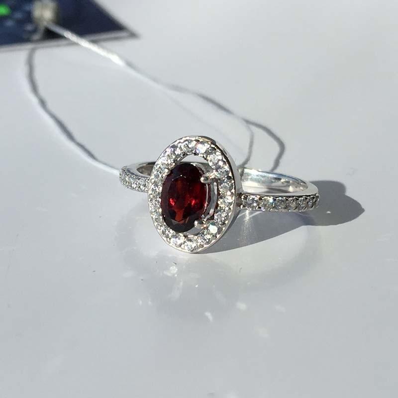Серебряное кольцо с Гранатом (10019)