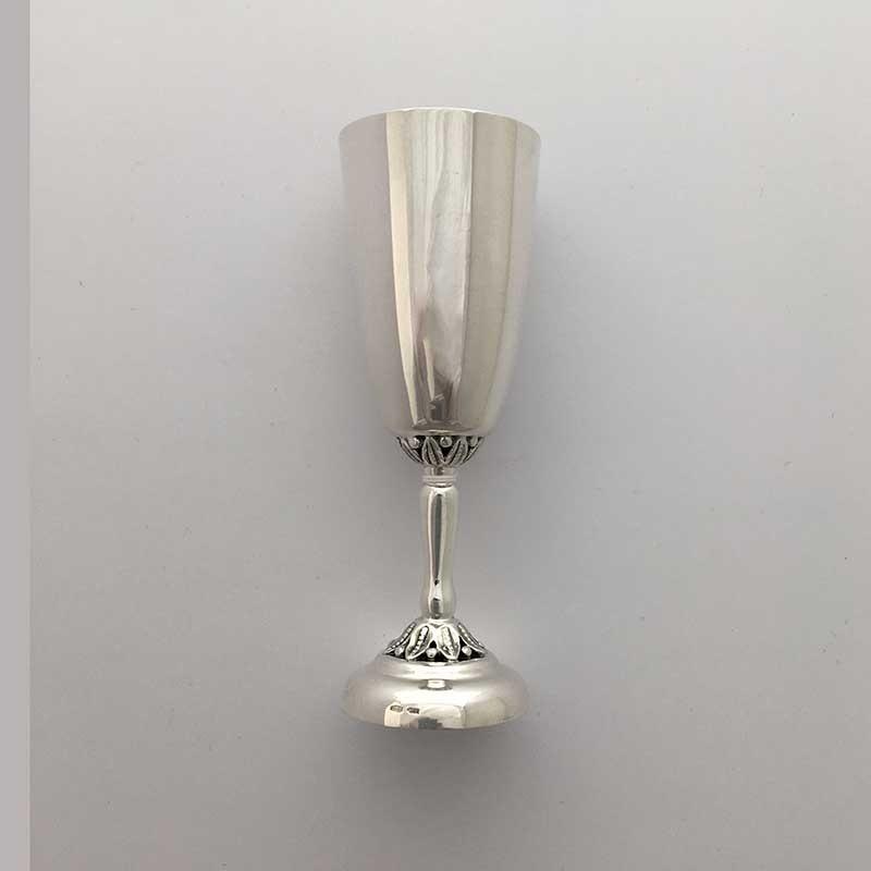 Серебряная рюмка 8100001